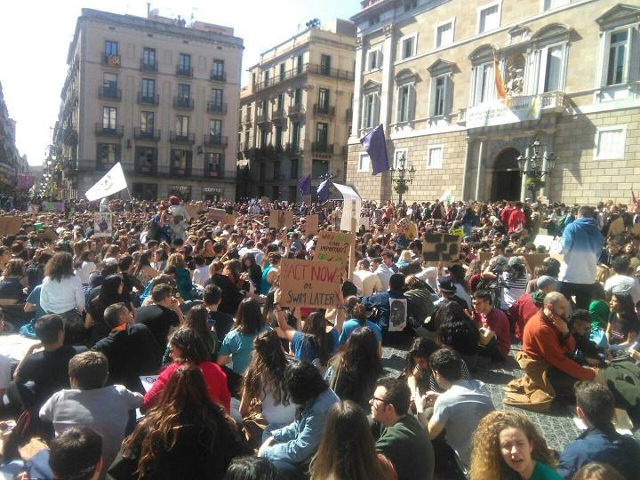 Protesta por el clima en Barcelona el 15/03/2019. Foto: Àlex Guillamón.