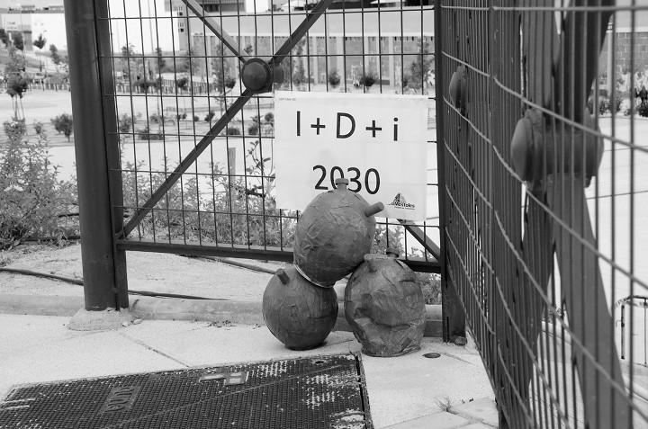 Acción poética Será una vez Móstoles 2030-botijos I+D+i. Fuente: Instituto de Transición Rompe el Círculo.