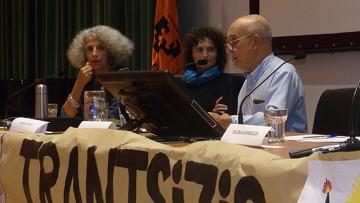 Geneviève Azam (ATTAC, izquierda) y Pedro Prieto (AEREN, derecha)