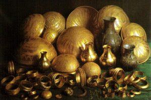Tesoro de Villena. Uno de los hallazgos áureos más sensacionales de la Edad de Bronce europea. Fuente: Wikimedia Commons