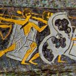 """Oro y plata sobre bronce Daga funeraria micénica """"Caza del león"""". Círculo de tumbas A, Micenas, Grecia, siglo XVI a. C. Fuente: Wikimedia Commons"""