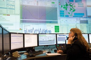 English: Electric Reliability Council of Texas (ERCOT) control room operator (dispatcher)